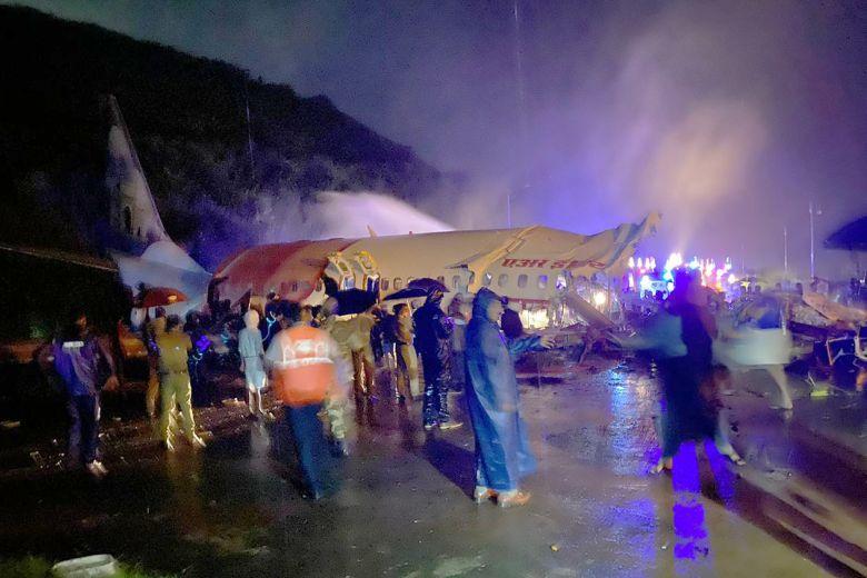 Hot News៖ ជើងហោះហើរ Air India Express ចេញពីទីក្រុងឌូបៃដឹកអ្នកដំណើរ ១៩០ នាក់បានធ្លាក់នៅអាកាសយានដ្ឋាន Kerala